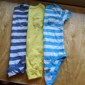Carter's 24month 3 Short sleeve bodysuits
